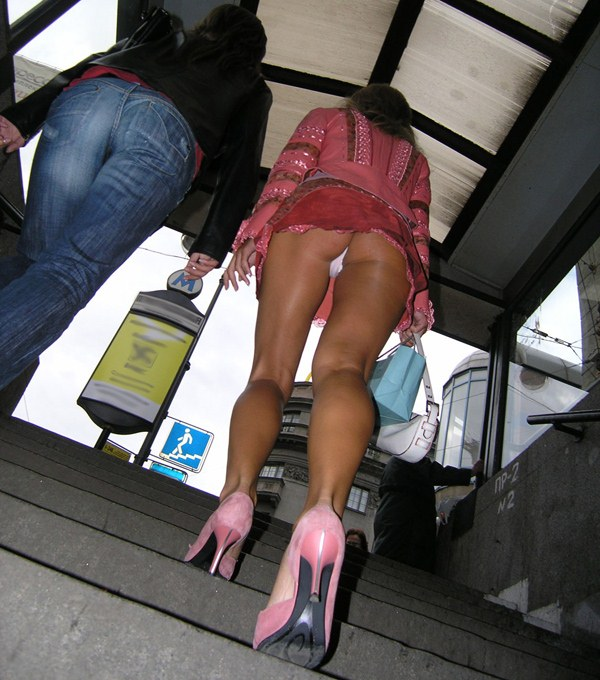 Oops voyeur upskirt photos at the streets